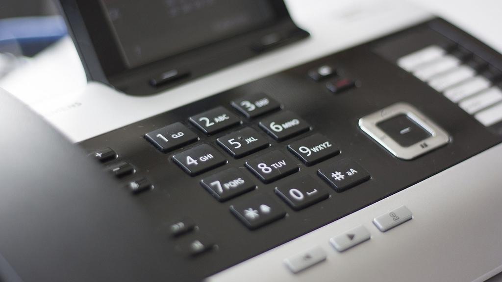 Telefon Tastatur: Warnung vor Betrugsanrufen