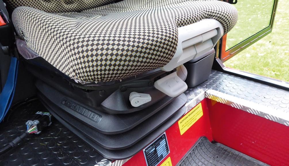 Bild: Fahrersitz im Mäher mit variabler Sitzeinstellung