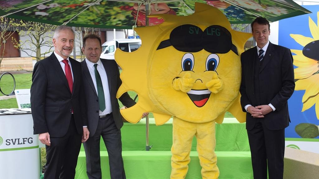 Eröffnung der Bundesgartenschau 2019 in Heilbronn mit SVLFG-Geschäftsführer Reinhold Knittel, BGL-Vizepräsident Thomas Banzhaf, Maskottchen Sunny, BGL-Präsident Lutze von Wurmb